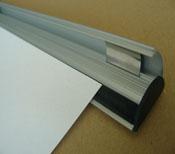 Portaposters de aluminio en plata anodizado